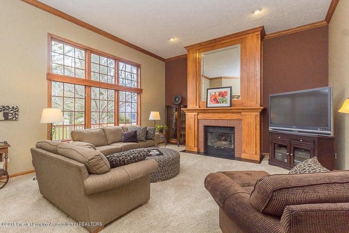 603 Shoreline Dr - Living room - 11