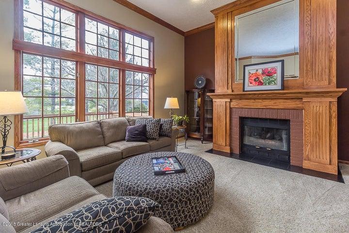 603 Shoreline Dr - Living room - 12