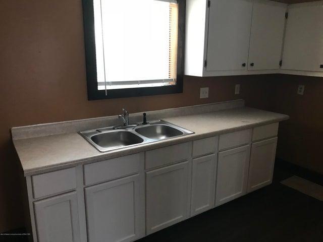 300 Isbell St - Kitchen - 4