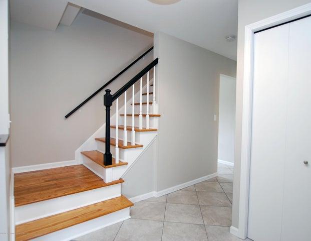 1935 Mendota Dr - MLS stairway 1 - 17