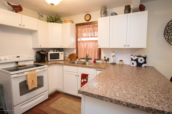 1823 Stirling Ave - IMG_9254 - 7