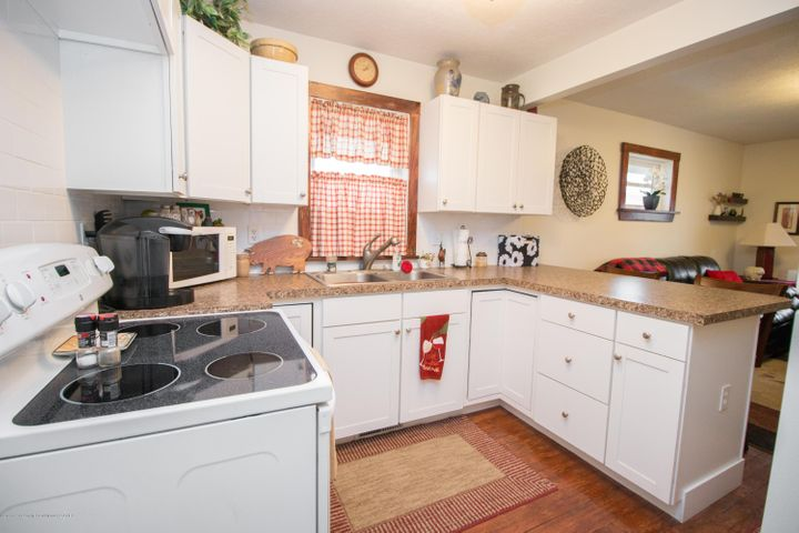 1823 Stirling Ave - IMG_9253 - 8