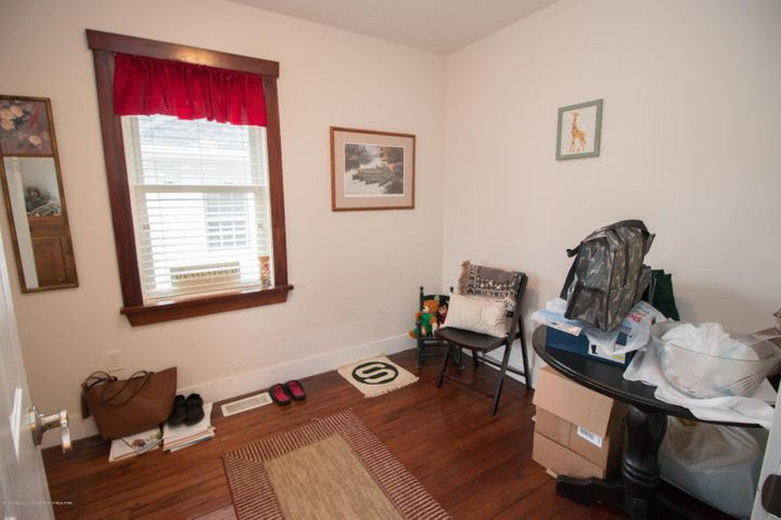 1823 Stirling Ave - IMG_9244 - 13