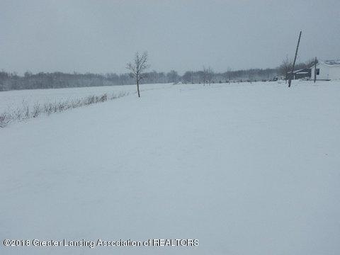 5823 E Tupper Lake Rd, Sunfield, MI 48890