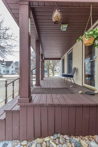 409 Taylor St - taylorporch (1 of 1) - 2