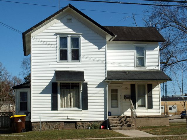 600 N Clinton Avenue, St. Johns, MI 48879