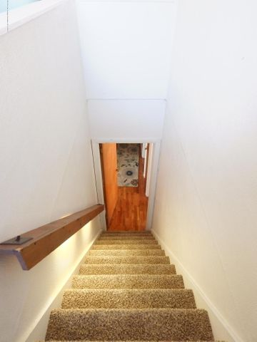 815 Andrus Ave - Lighted Stairway - 22