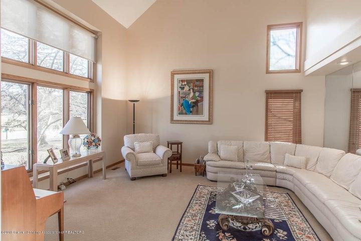 3925 Breckinridge Dr - Living Room - 12