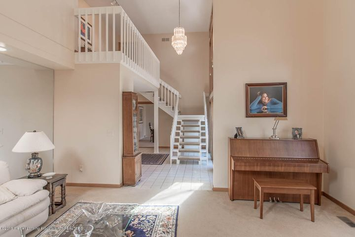 3925 Breckinridge Dr - Living Room to Foyer - 13