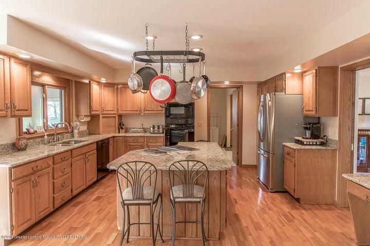 3925 Breckinridge Dr - Kitchen - 14
