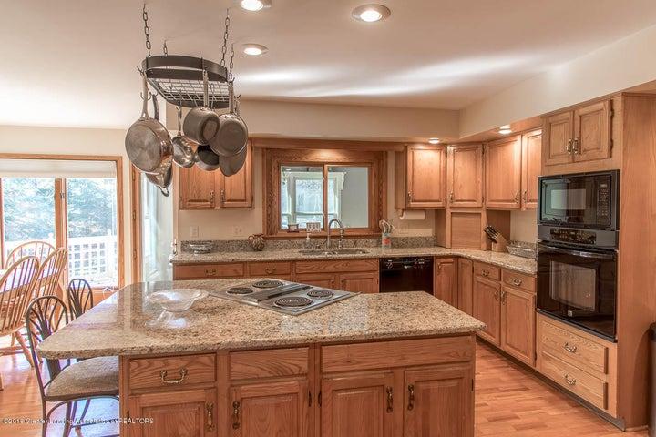 3925 Breckinridge Dr - Kitchen - 15