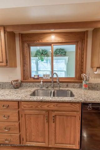 3925 Breckinridge Dr - Kitchen - 17