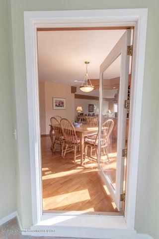 3925 Breckinridge Dr - 4 Seasons Room to Kitchen - 28
