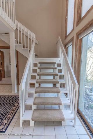 3925 Breckinridge Dr - Stairway to Bedrooms - 32