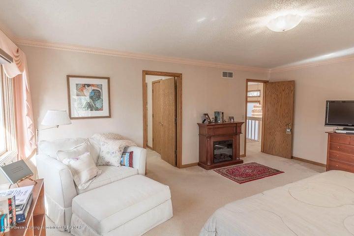 3925 Breckinridge Dr - Master Bedroom - 38