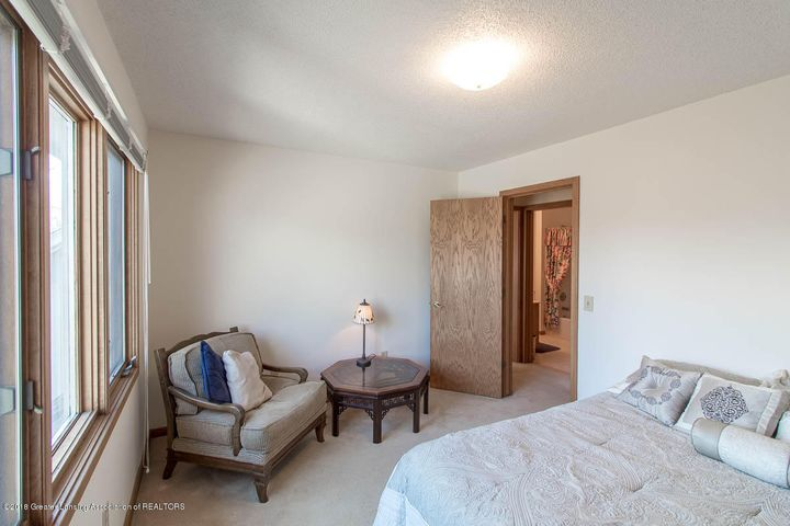 3925 Breckinridge Dr - Bedroom - 39