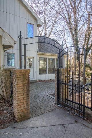 3925 Breckinridge Dr - Gate to Fenced Yard - 48