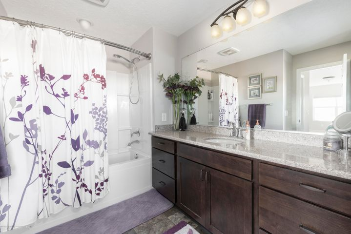 11564 Maiden Ln - Master Bathroom - 10