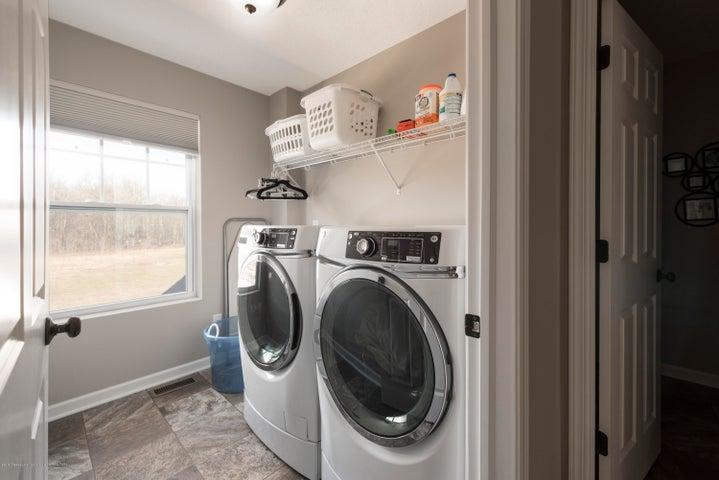 11564 Maiden Ln - Second Floor Laundry - 16