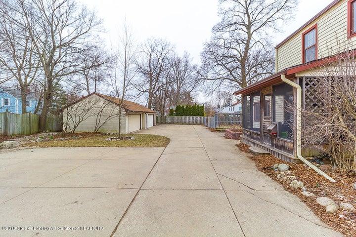 2406 E Grand River Ave - Grandriverfront4 (1 of 1) - 3