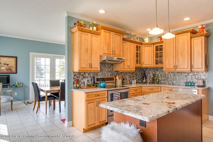 9006 Chadwick Rd - Wonderful kitchen! - 2