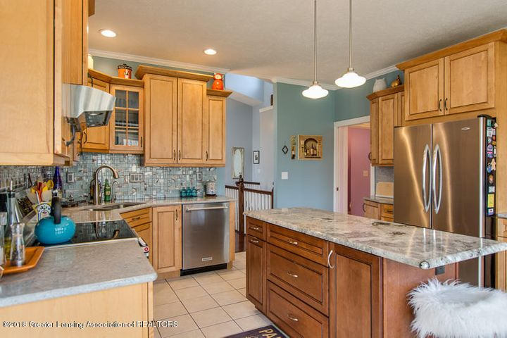 9006 Chadwick Rd - Kitchen - 6