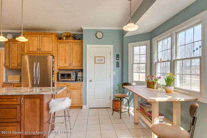 9006 Chadwick Rd - Kitchen and Breakfast Nook - 7