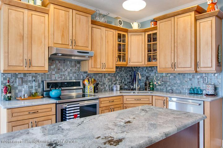 9006 Chadwick Rd - Kitchen - 3