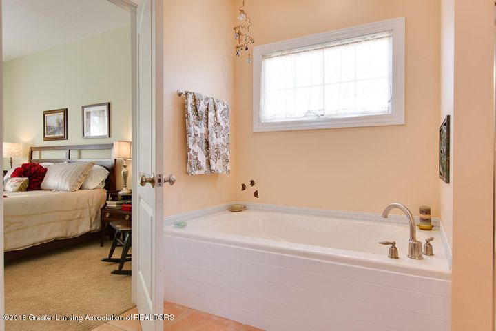 9006 Chadwick Rd - Master Bath - 22