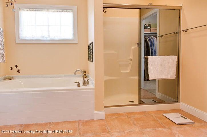 9006 Chadwick Rd - Master Bath - 23
