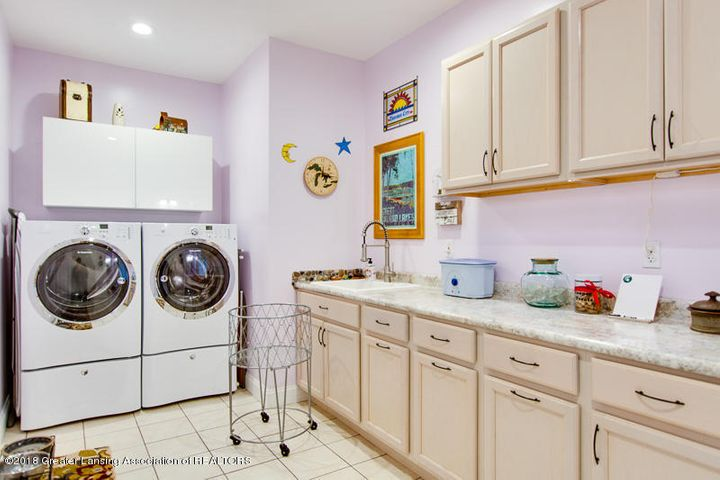 9006 Chadwick Rd - Laundry and Mud Room - 25