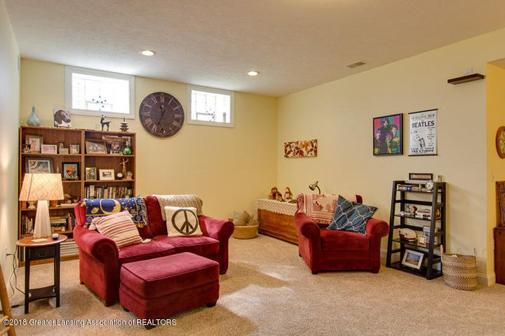 9006 Chadwick Rd - Lower Level Family Room - 27