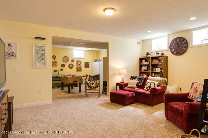 9006 Chadwick Rd - Lower Level Family Room - 28