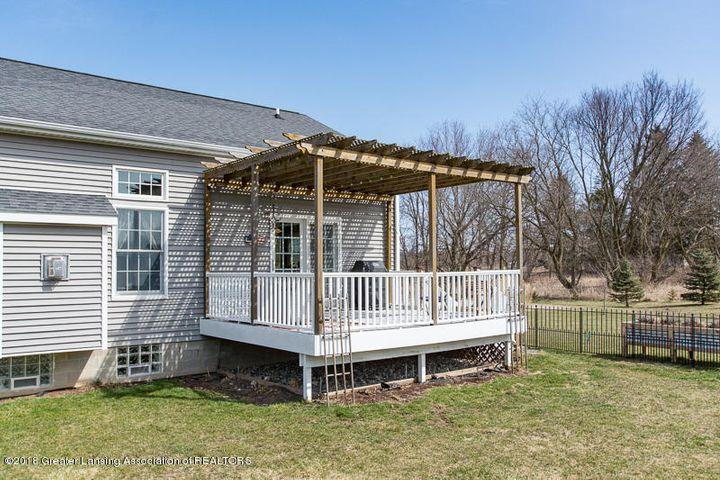 9006 Chadwick Rd - Deck with Pergola - 39