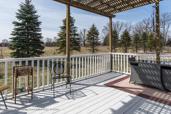 9006 Chadwick Rd - Deck with Pergola - 40