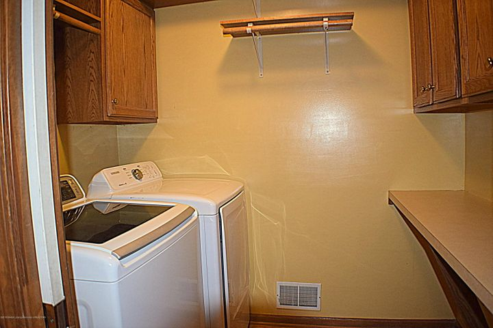 2361 Anchor Ct - 1st floor laundry - 6
