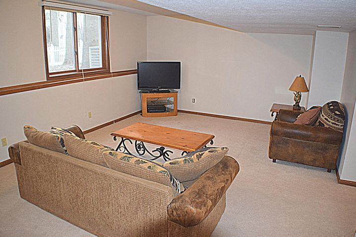 2361 Anchor Ct - Family Room - 20