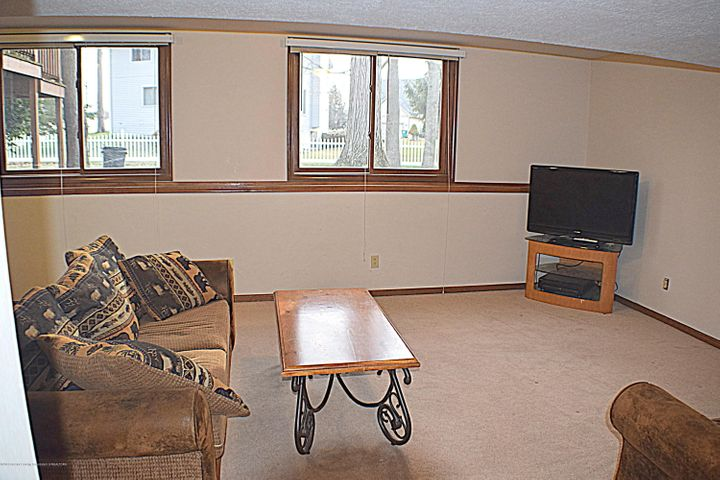 2361 Anchor Ct - Family Room - 21