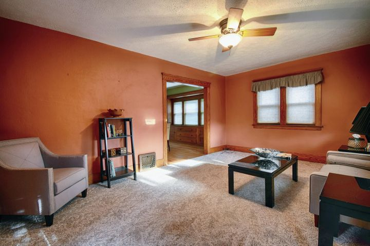 406 N Hayford Ave - Living Room - 3