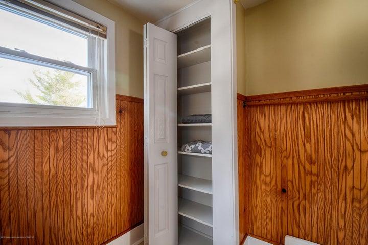 406 N Hayford Ave - Linen Closet - 14