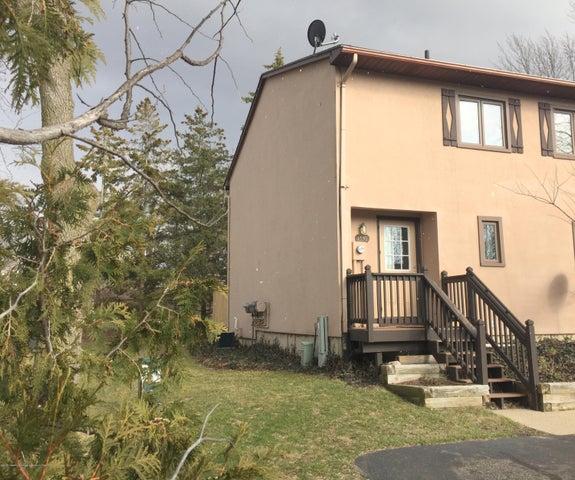 1539 N Hagadorn Rd - Front Exterior of Home - 1