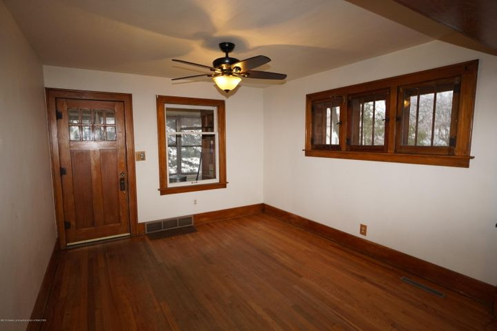 412 S Magnolia Ave - Living Room - 4