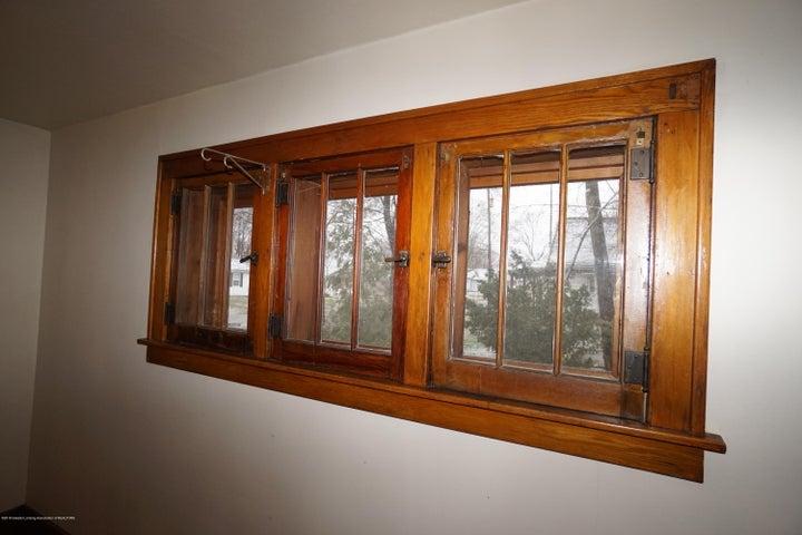 412 S Magnolia Ave - Beautiful Windows - 7