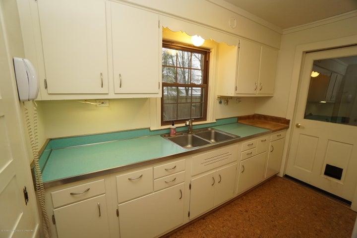 412 S Magnolia Ave - Kitchen - 8