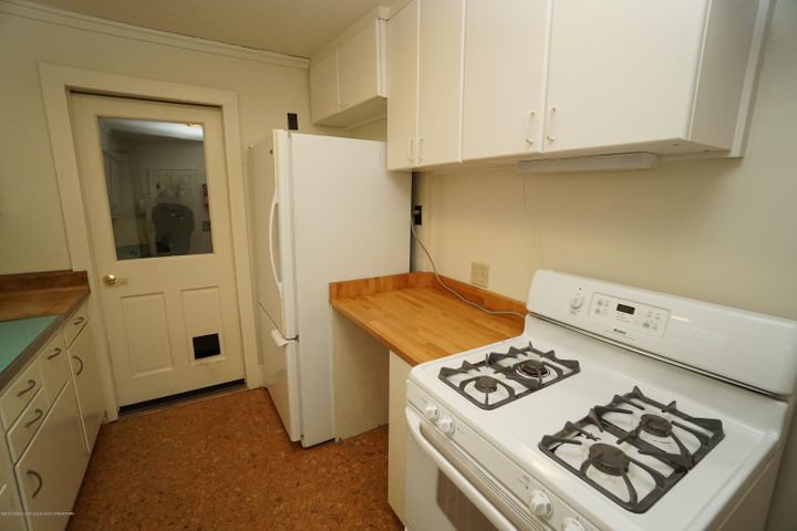 412 S Magnolia Ave - Kitchen - 10