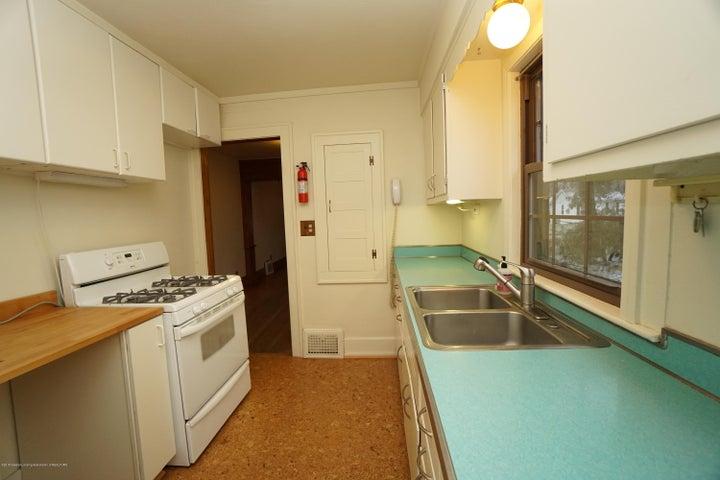 412 S Magnolia Ave - Kitchen - 9