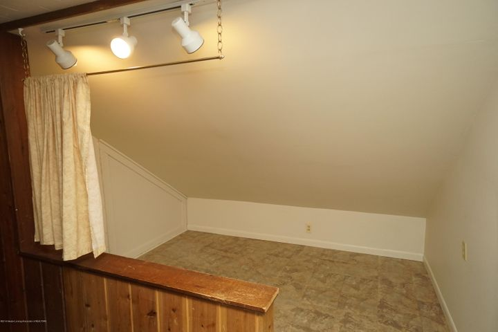 412 S Magnolia Ave - Upstairs - 18