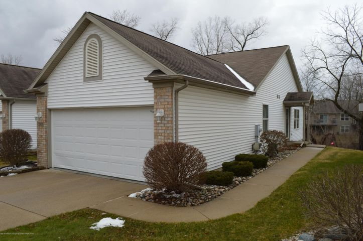 2033 Wyndham Hills Dr 25 - Front of Home - 1
