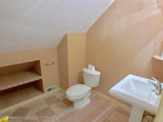 401 Lathrop St - Bathroom - 16