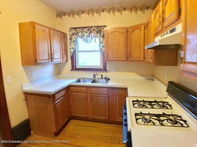 401 Lathrop St - Kitchen - 8